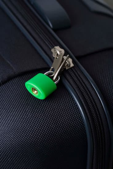 can luggage zippers be repaired closed